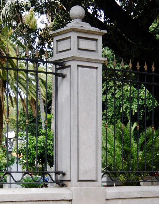 Colonne in cemento per recinzioni