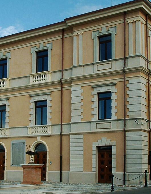 Cornici marcapiano m6 decorativa per facciate - Cornici finestre in polistirolo ...