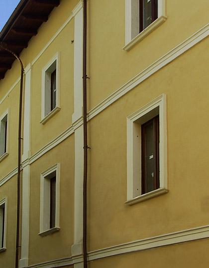 Marcapiano in calcestruzzo per decorazione facciate