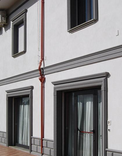 Cornici marcapiano m7 decorativa per facciate - Decori per finestre esterne ...